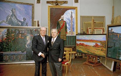 Илья Глазунов и депутат Европарламента, лидер национального фронта Франции Жан-Мари Ле Пен в мастерской художника. Москва