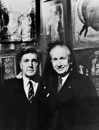 Ilya Glazunov and the Spanish Ambassador to the USSR Juan Antonio Samaranch in the artist's Studio in Moscow