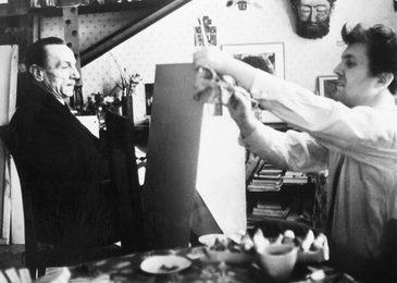 Илья Глазунов за работой над портретом Эдуардо дэ Филиппо